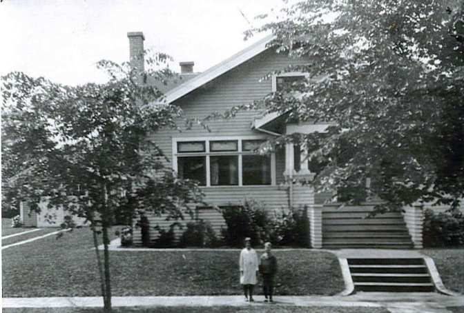4053 NE 30th, built by Donahue in 1912. Two similar but smaller bungalows were built by Donahue at 4705 NE 24th and 3414 NE 42nd. Photo courtesy of Morrison Family, Author's Collection