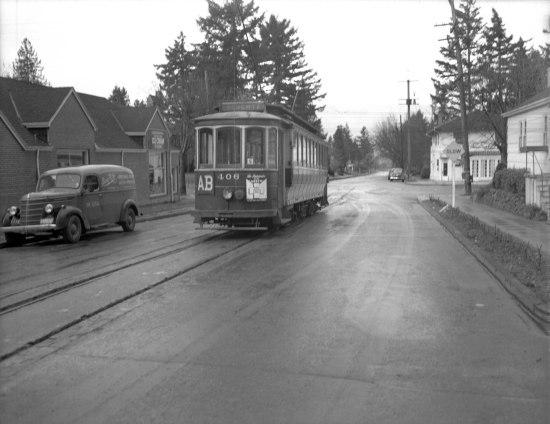 a2009-009-4152-streetcar-along-alberta-line-1944