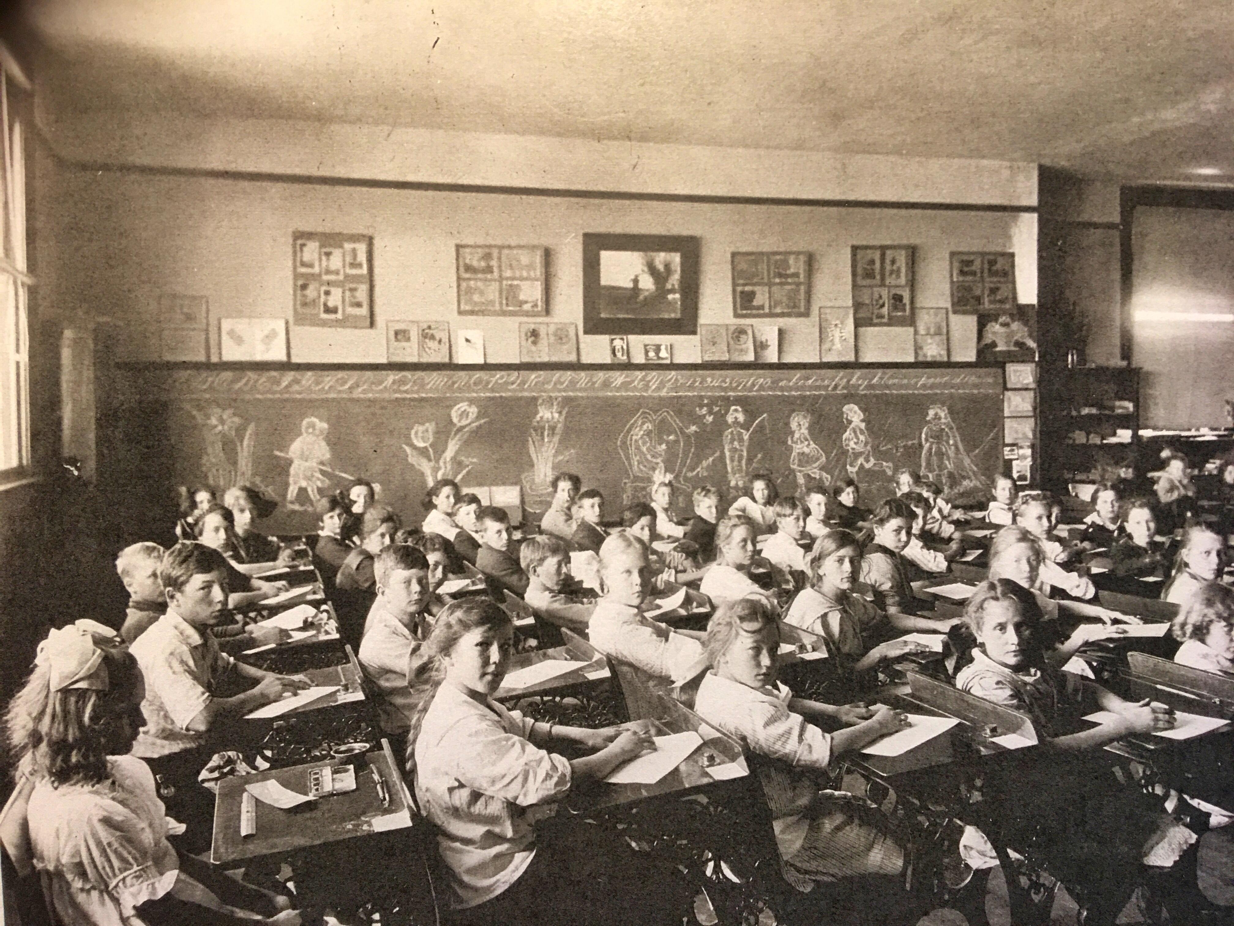 7c1a507951 Vernon School Art Classroom. Courtesy of Oregon Historical Society.